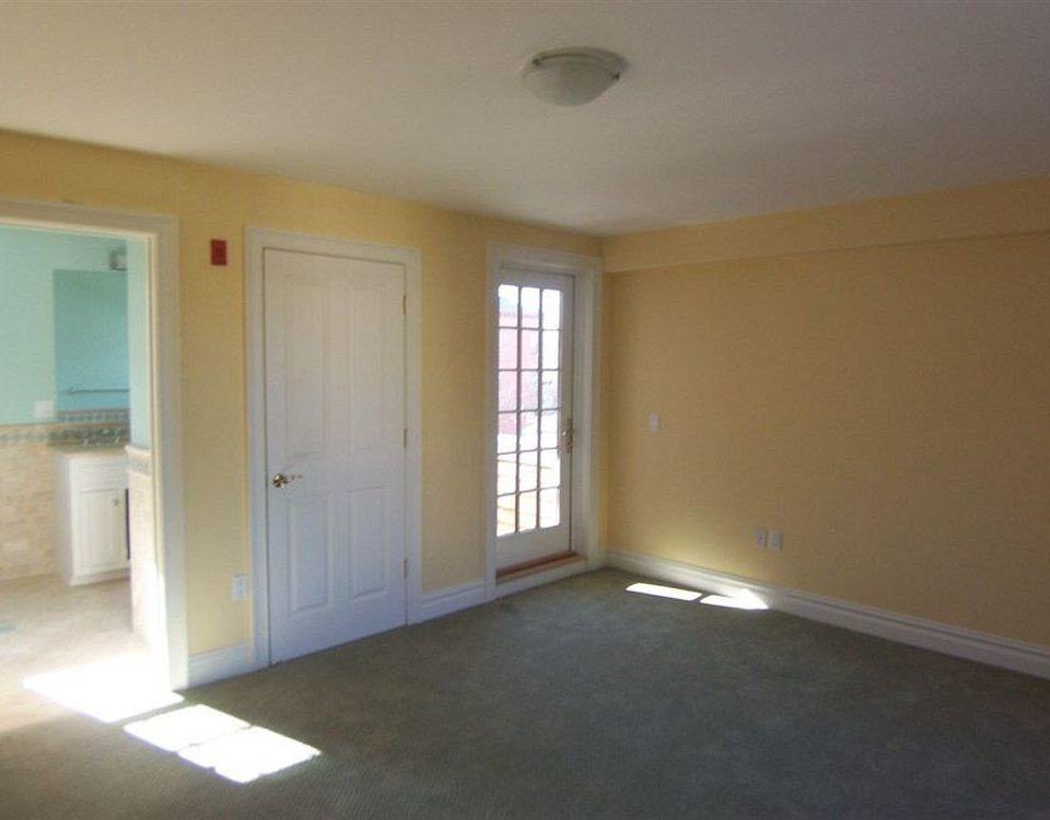 building property home hardwood Bedroom basement living room empty