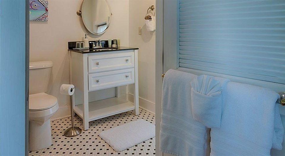 bathroom property house home cottage Bedroom
