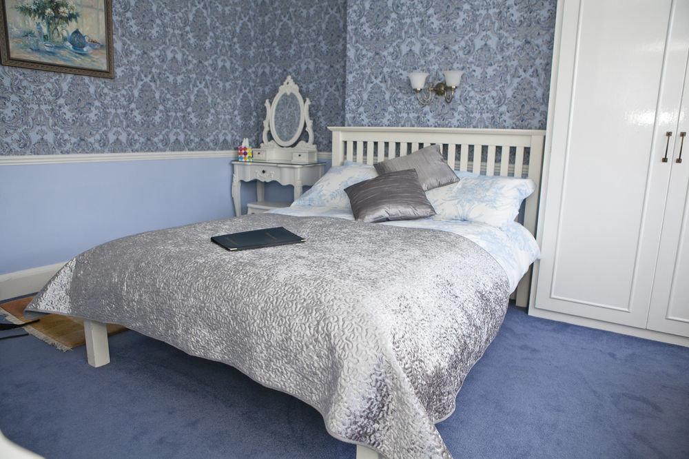Bedroom duvet cover bed sheet textile bed frame cottage material