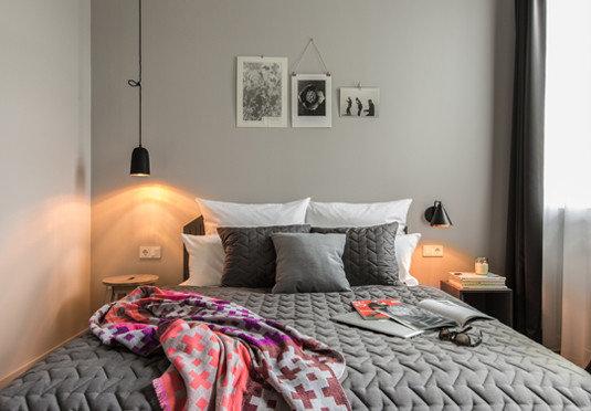 Bedroom bed sheet cottage bed frame