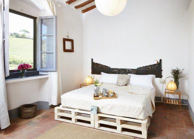 property Bedroom living room home cottage hardwood bed frame farmhouse bed sheet