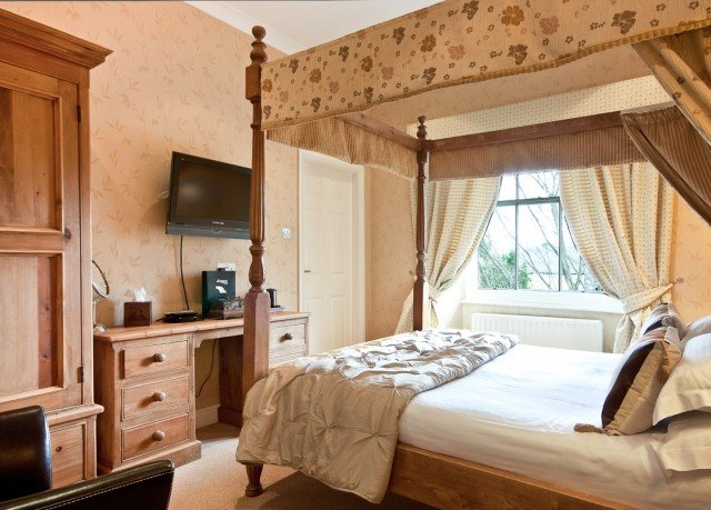 property Bedroom cottage home farmhouse bed frame