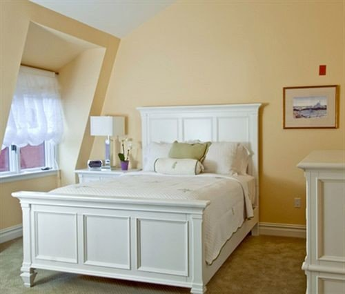 Bedroom property hardwood cottage bed frame living room