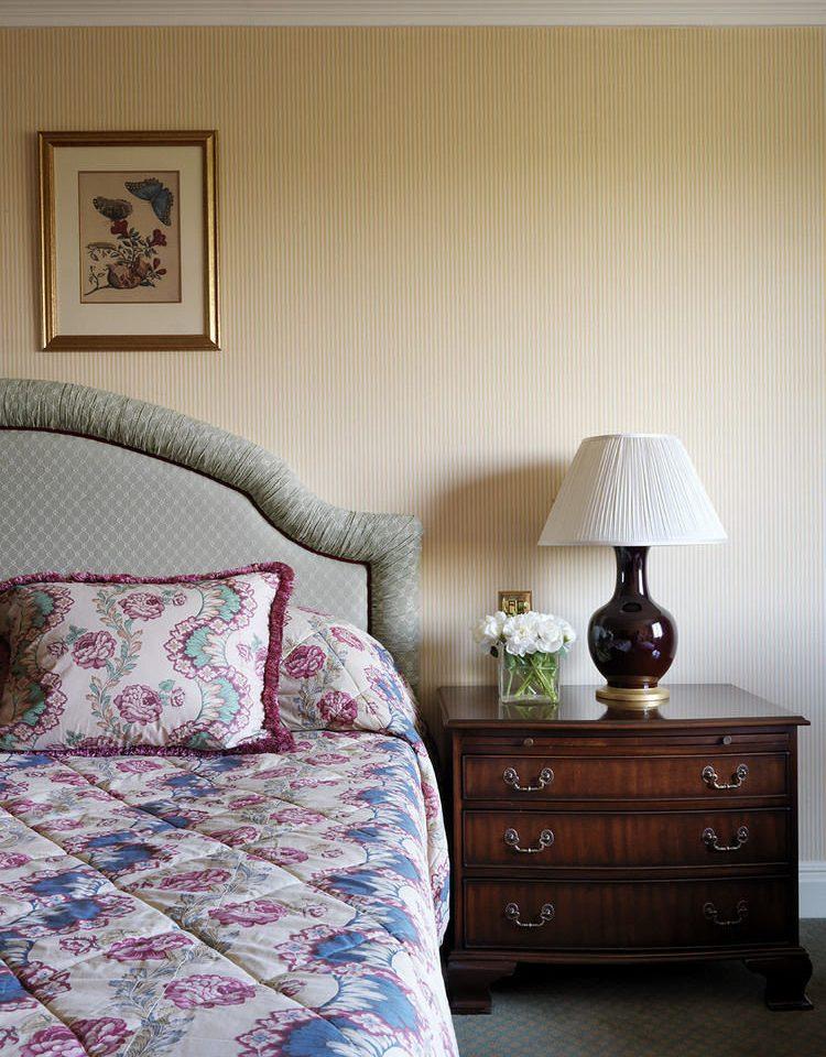Bedroom bed sheet duvet cover textile home living room cottage lamp