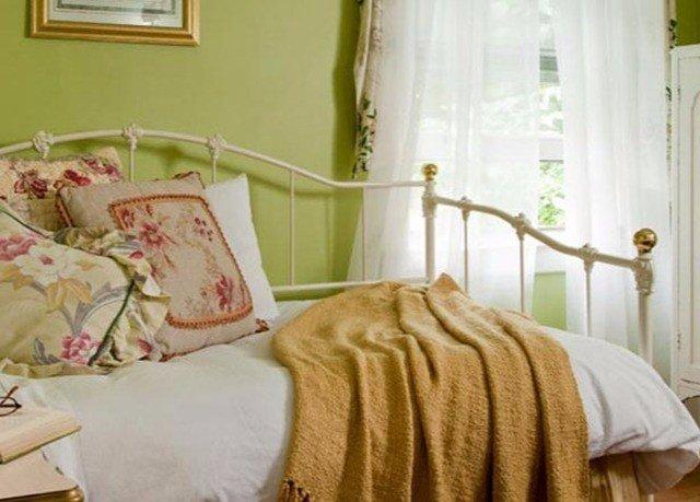 property Bedroom bed sheet textile cottage duvet cover