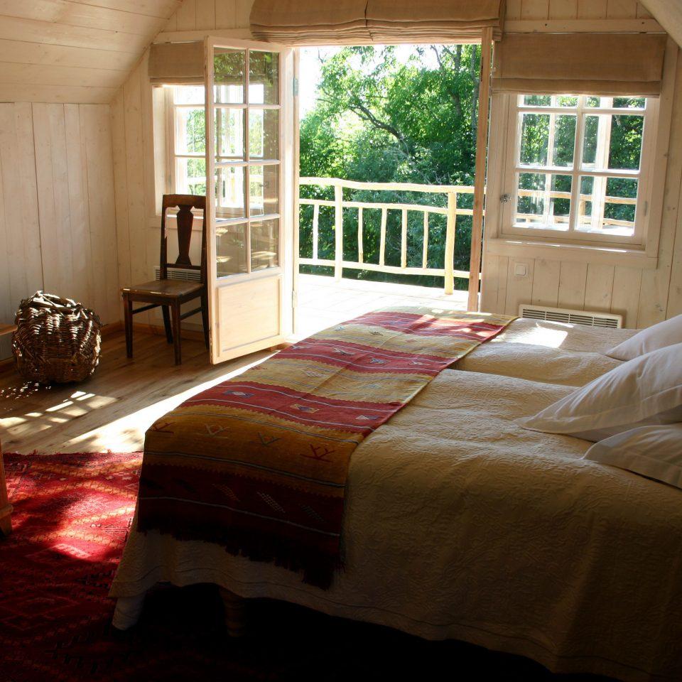 Bedroom property house home cottage hardwood farmhouse living room bed sheet