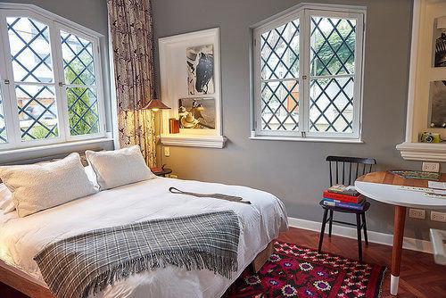 property Bedroom home living room cottage hardwood farmhouse bed sheet