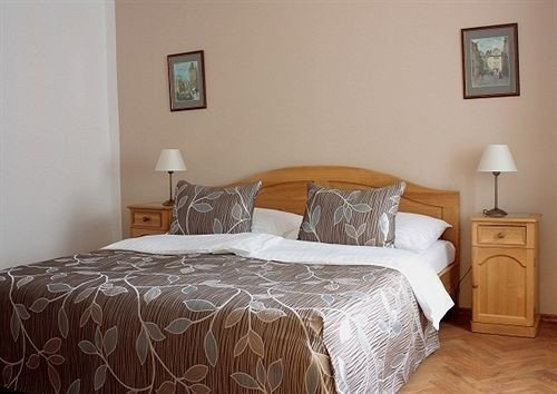 Bedroom property cottage hardwood bed sheet painting