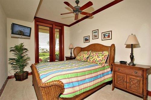 Bedroom property cottage hardwood bed sheet lamp