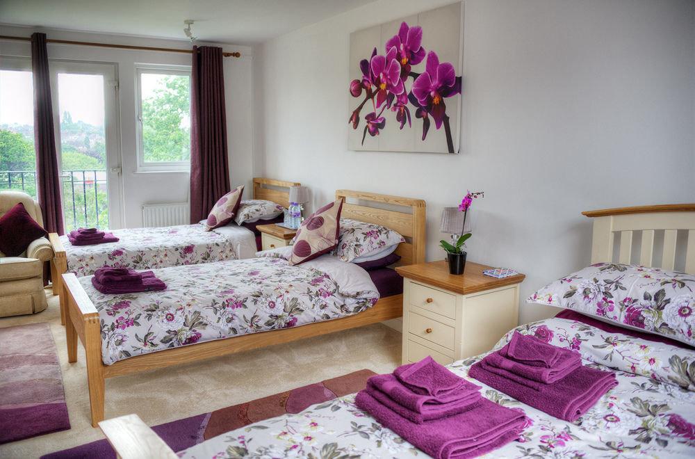 property Bedroom living room home cottage bed sheet pink