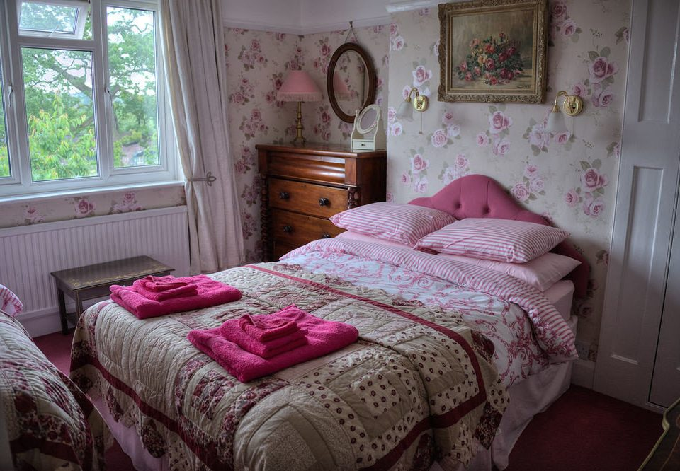 pink Bedroom property cottage bed sheet messy