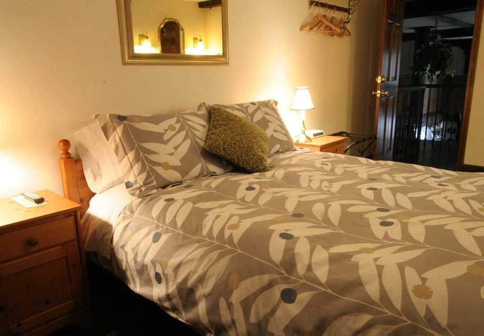 Bedroom property cottage bed sheet