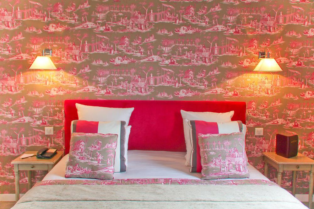 pink bed sheet wallpaper living room Bedroom