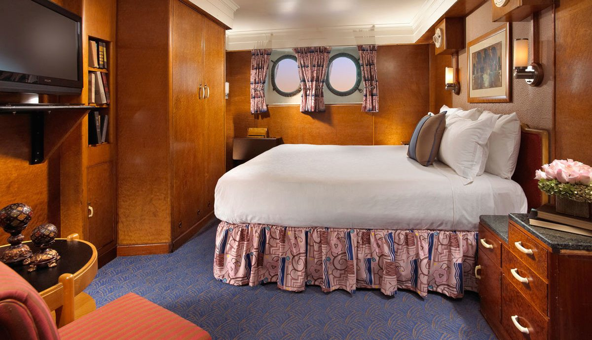 property passenger ship Boat yacht vehicle Suite Bedroom ship cottage watercraft Cabin