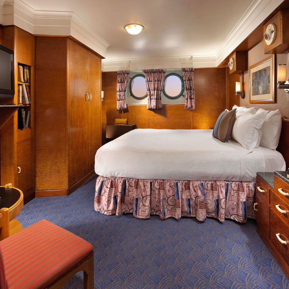property passenger ship Boat yacht vehicle Suite Bedroom ship cottage watercraft Cabin