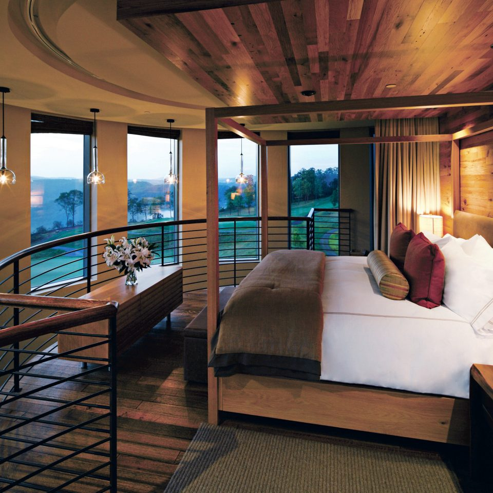 Bedroom Country Hotels Modern Scenic views Suite property passenger ship yacht Boat vehicle Resort luxury yacht Villa