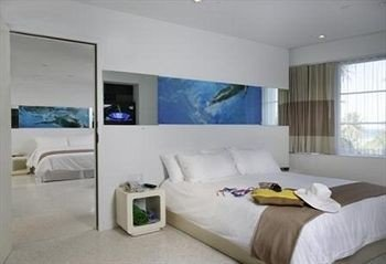Bedroom Lounge Luxury Modern Suite property passenger ship vehicle yacht Boat condominium ship cottage