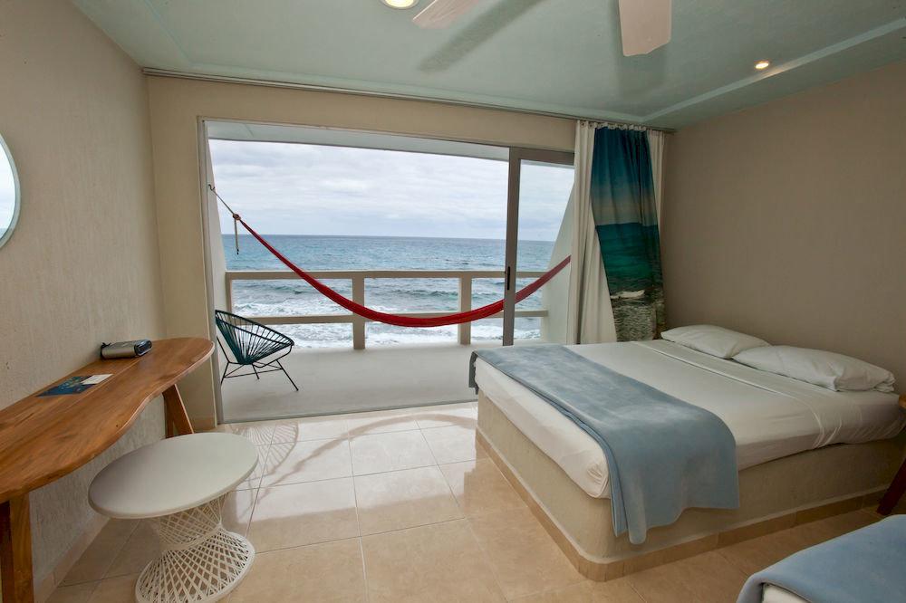 property vehicle passenger ship yacht Boat cottage Bedroom ship watercraft Suite