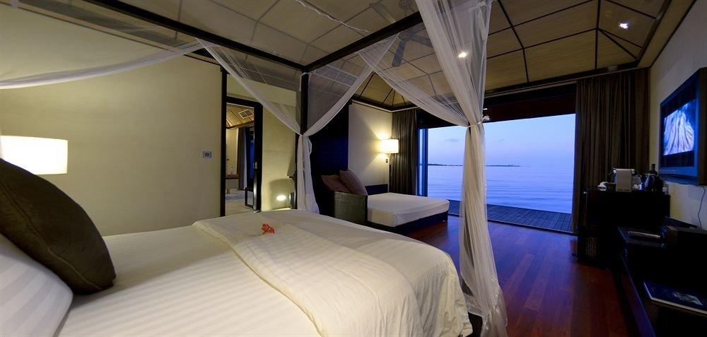 Bedroom Boat vehicle yacht passenger ship white Suite luxury yacht