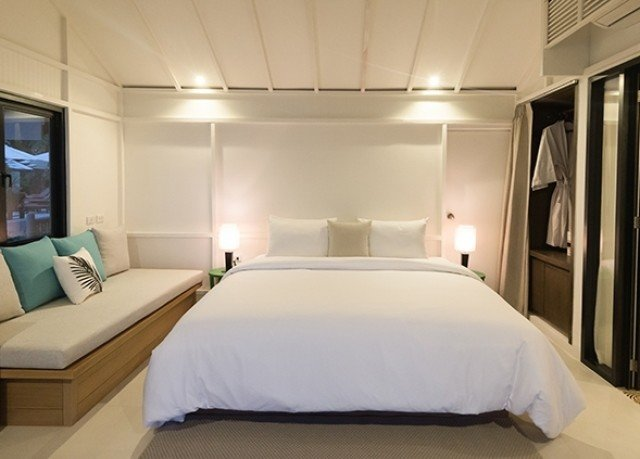 Bedroom property yacht passenger ship vehicle Boat Suite