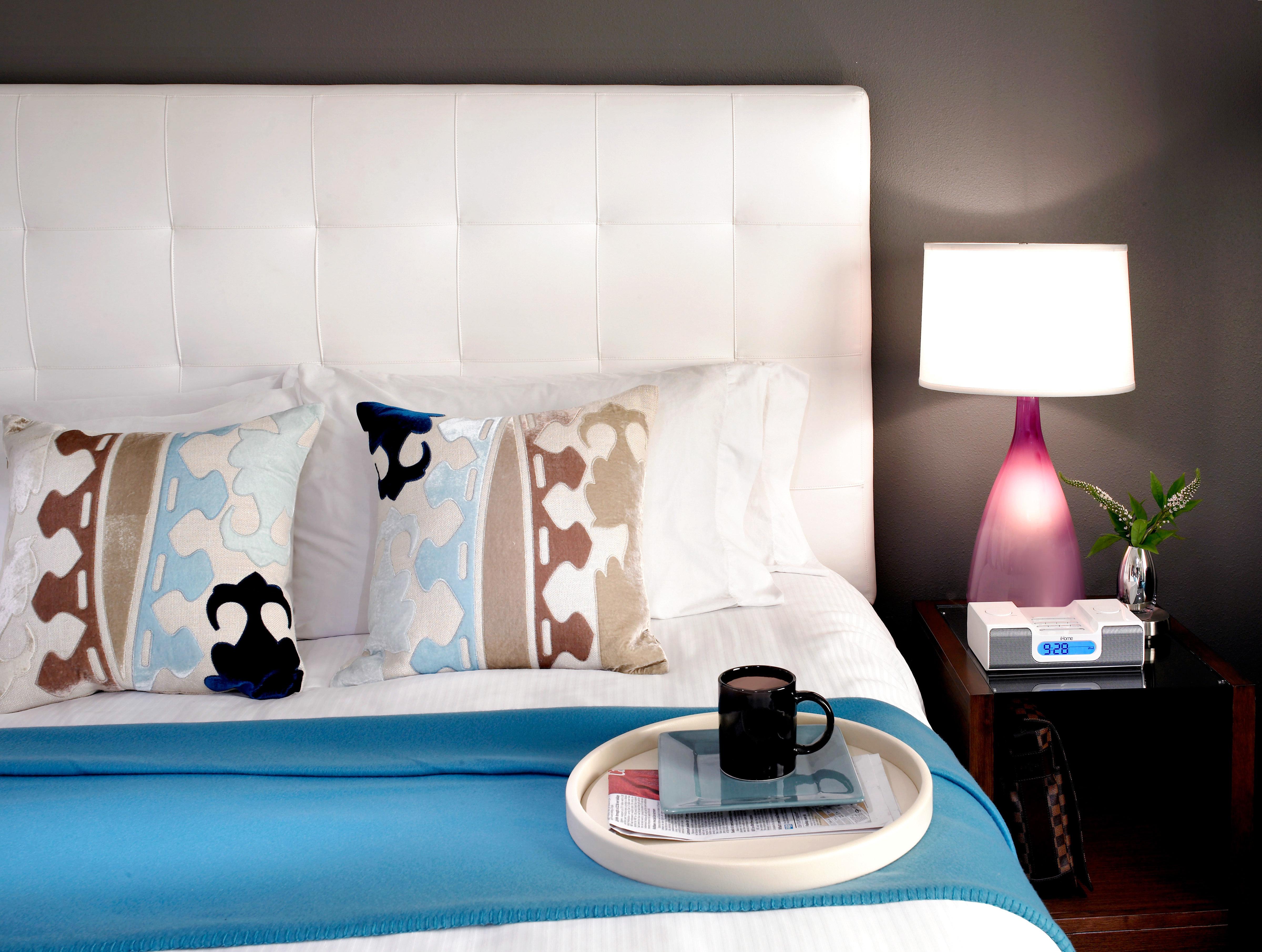 Bedroom Boutique Budget City Hip Modern color white blue living room lighting wallpaper