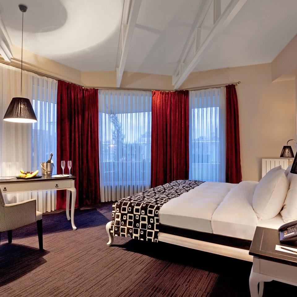 Bedroom Boutique Budget City Hip property Suite living room Resort