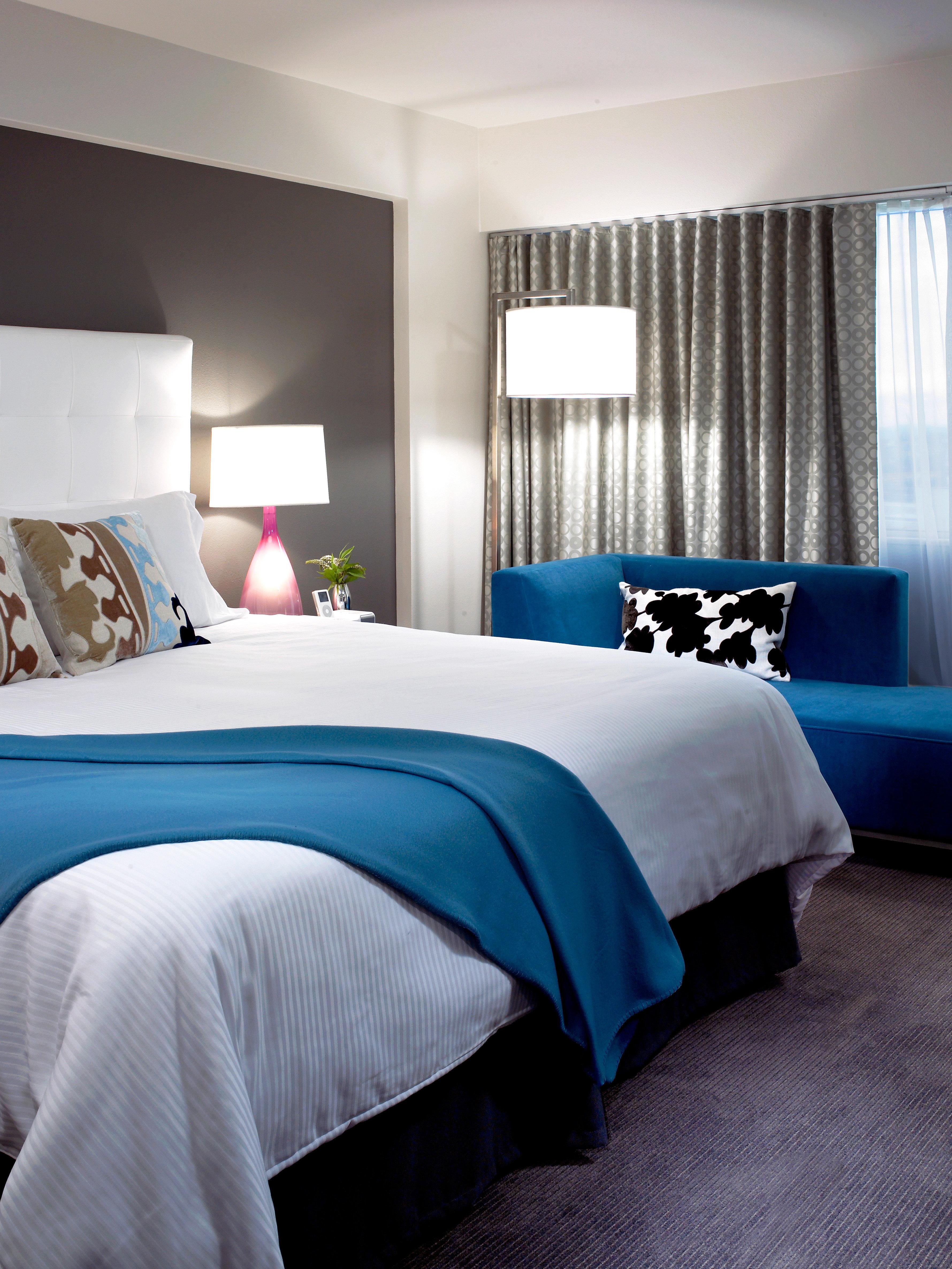 Bedroom Boutique Budget City Hip Modern sofa property blue bed sheet pillow Suite textile living room lamp bedclothes