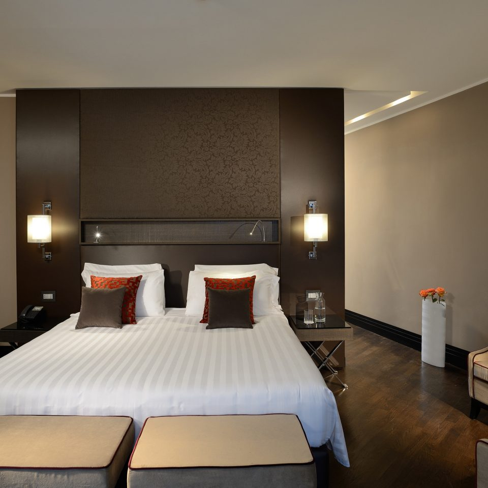 Bedroom Boutique Budget City Modern property Suite condominium