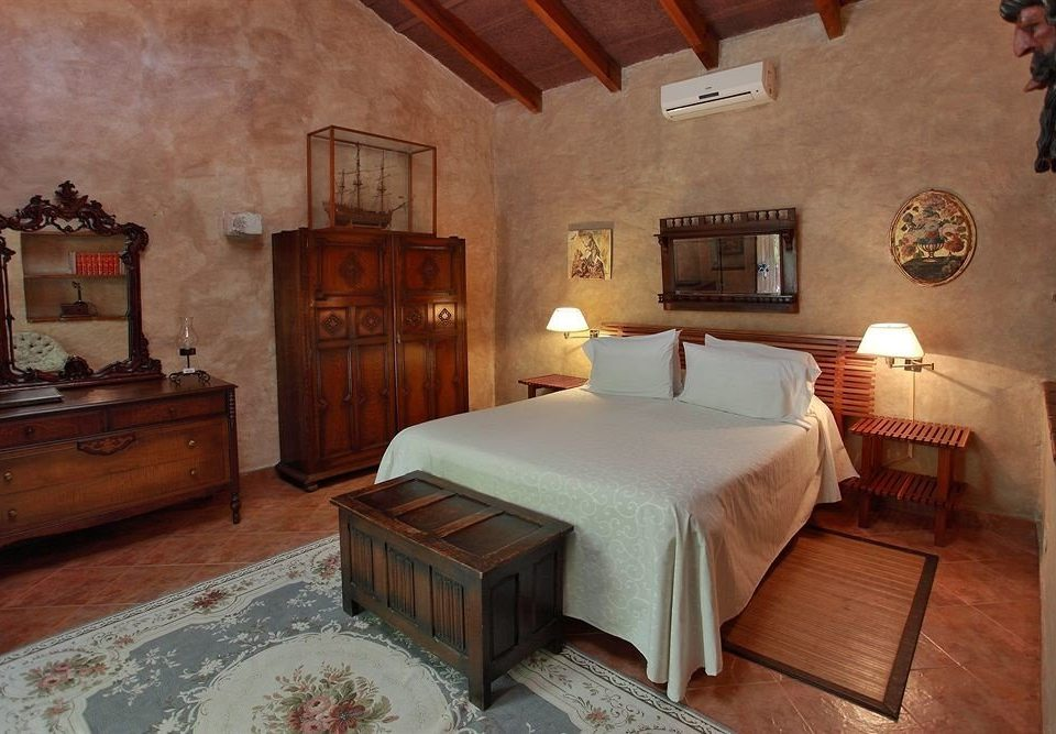 Bedroom Boutique Budget Classic Family Suite Town property cottage Villa mansion farmhouse