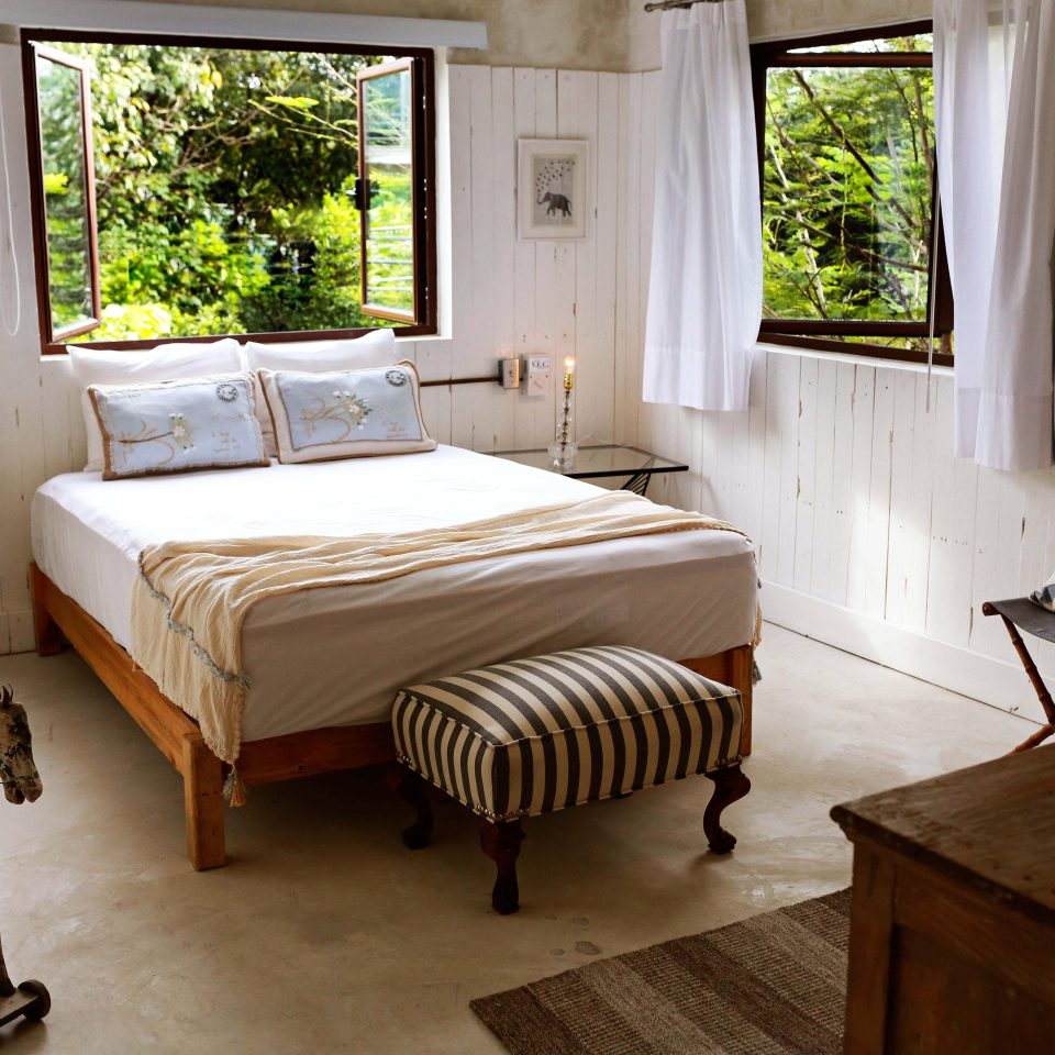 Bedroom Boutique Budget Rustic Trip Ideas Tropical property house home cottage hardwood living room Suite farmhouse Villa