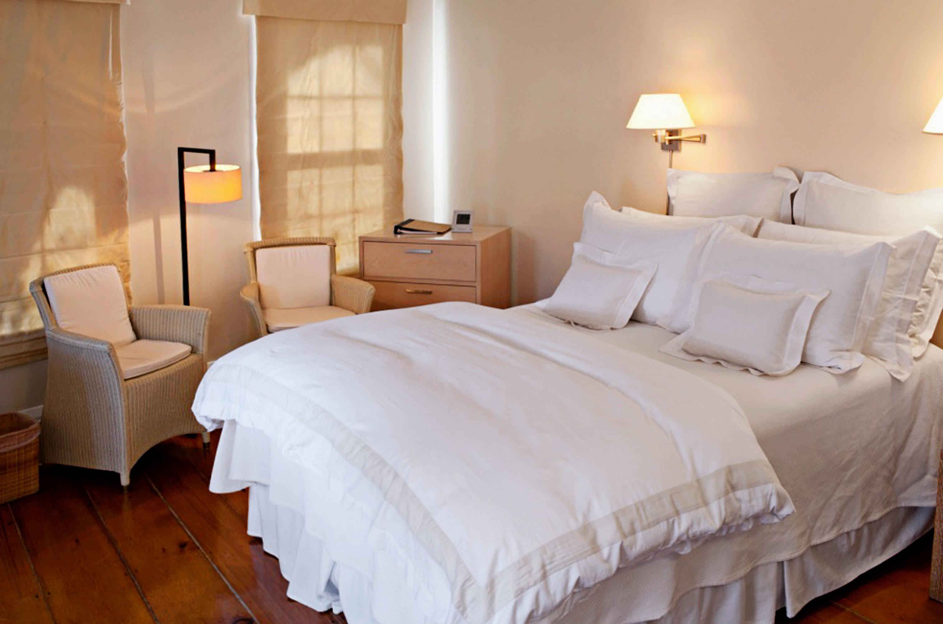 Bedroom Boutique Budget Suite bed sheet cottage night