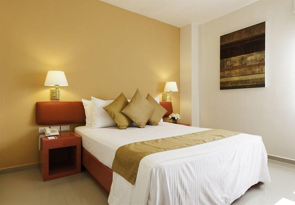 Bedroom Boutique Business property scene Suite cottage pillow
