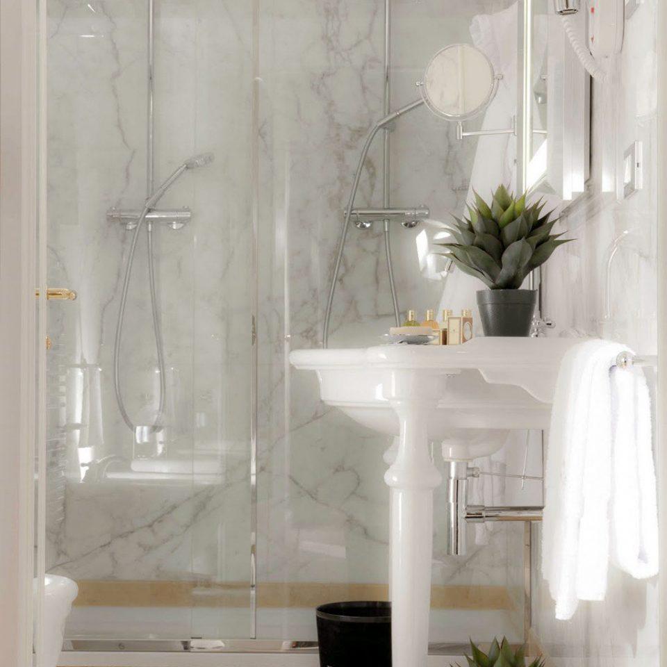 Bedroom Boutique City bathroom plant lighting plumbing fixture glass cabinetry
