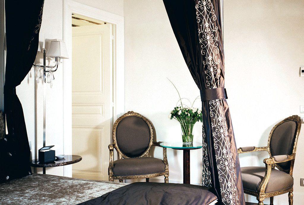 Bedroom Boutique City Classic Honeymoon Inn Romance Romantic property house living room home Suite cottage loft
