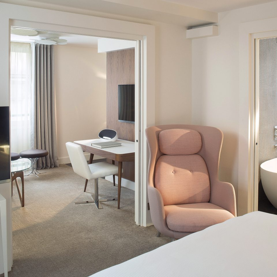 Bedroom Boutique City Elegant Modern Romance property Suite home condominium