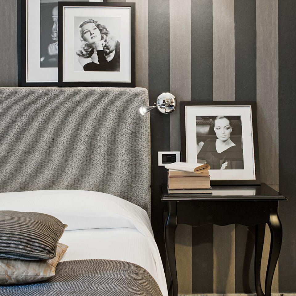 Bedroom Boutique City Elegant Honeymoon Romance Romantic Villa sofa living room wallpaper