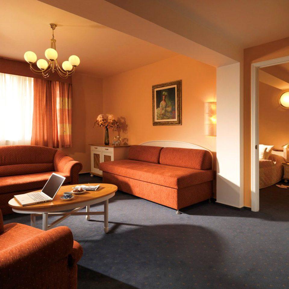 Bedroom Boutique City Elegant Modern Suite sofa property living room home hardwood cottage lamp flat