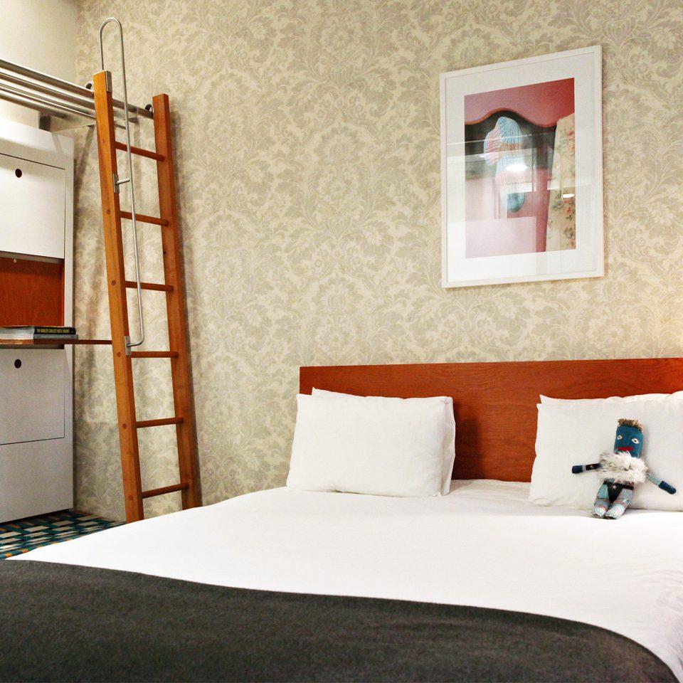 Bedroom Boutique City Hip Modern property Suite cottage home bed sheet