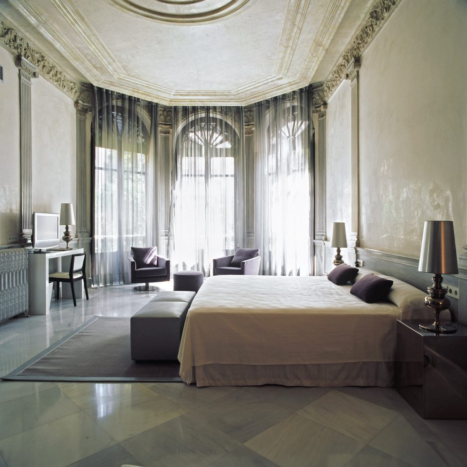 Bedroom Boutique City Hip Historic Luxury Modern property living room Lobby mansion curtain window treatment flooring