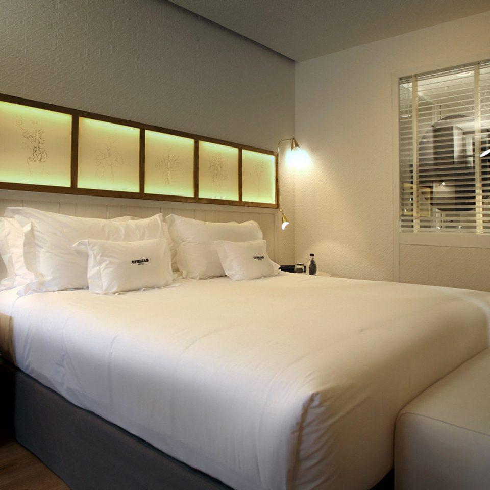 Bedroom Boutique City Hip sofa property Suite condominium living room