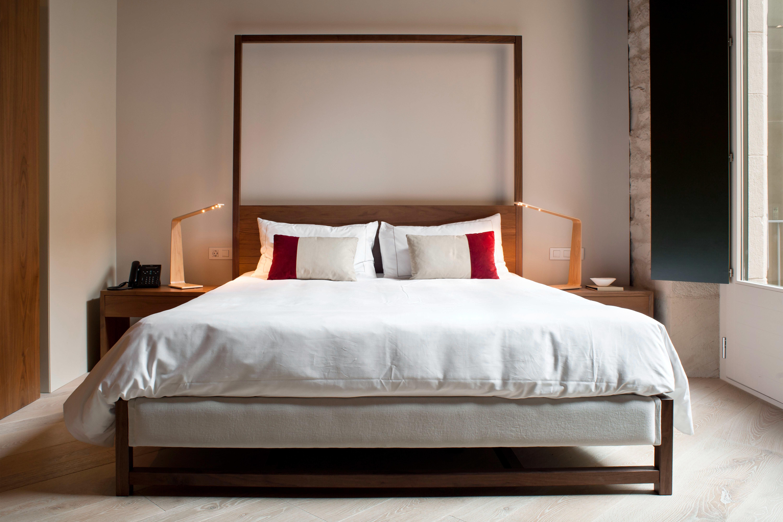 Bedroom Boutique City Hip Luxury Modern property bed frame Suite four poster bed sheet cottage
