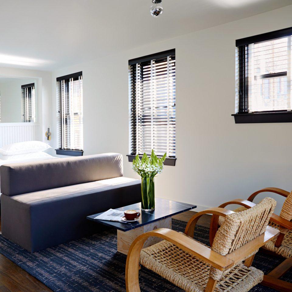 Bedroom Boutique City Hip Lounge Modern property living room condominium home hardwood cottage Suite Villa