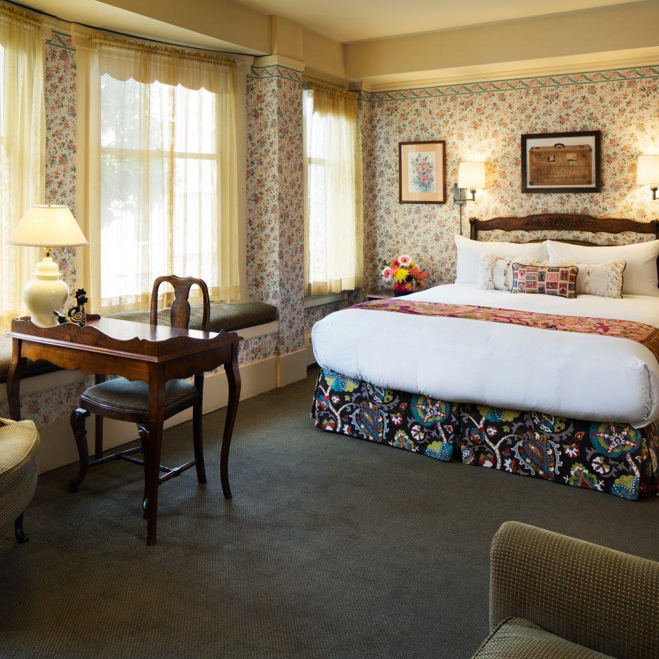 Bedroom Boutique City Historic Romance Romantic property living room Suite home cottage