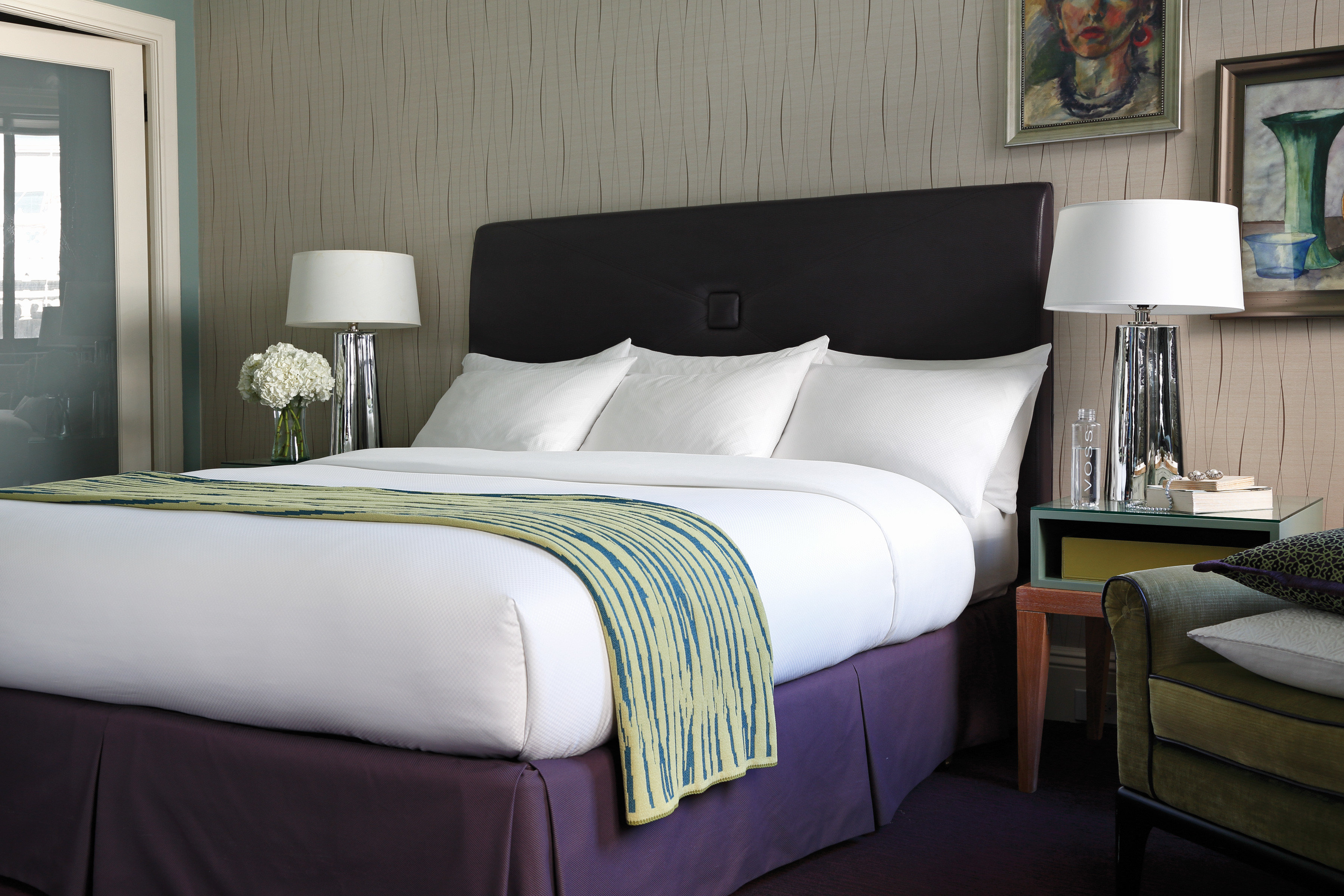 Bedroom Boutique City Historic sofa property Suite green bed sheet home bed frame cottage lamp