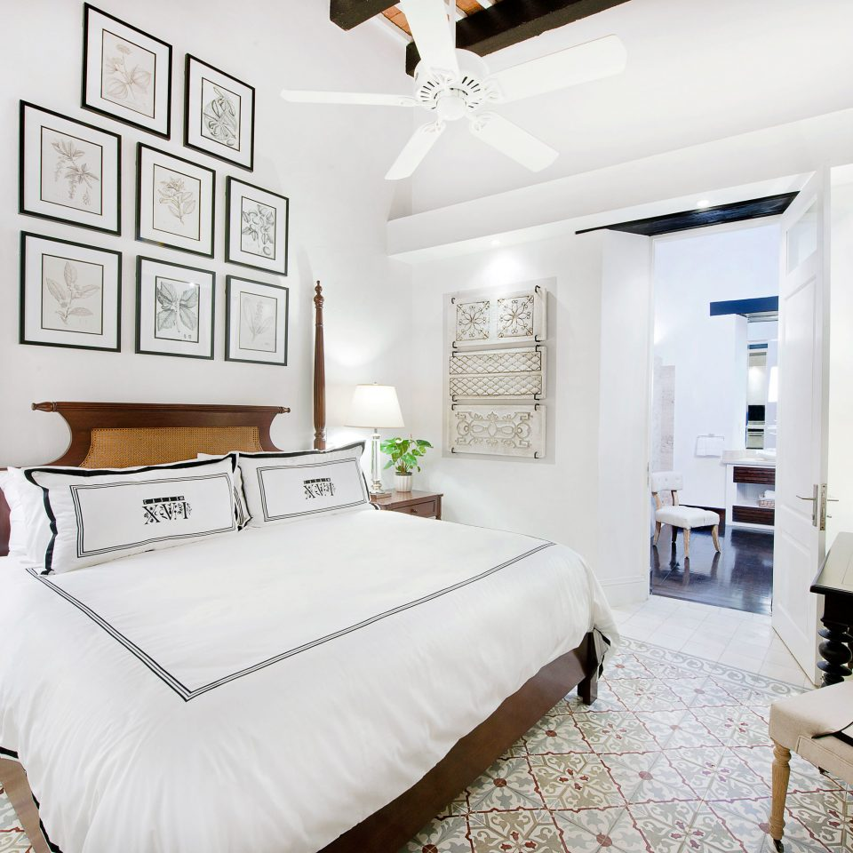 Bedroom Boutique Classic Elegant Historic Hotels Scenic views property living room home cottage Suite