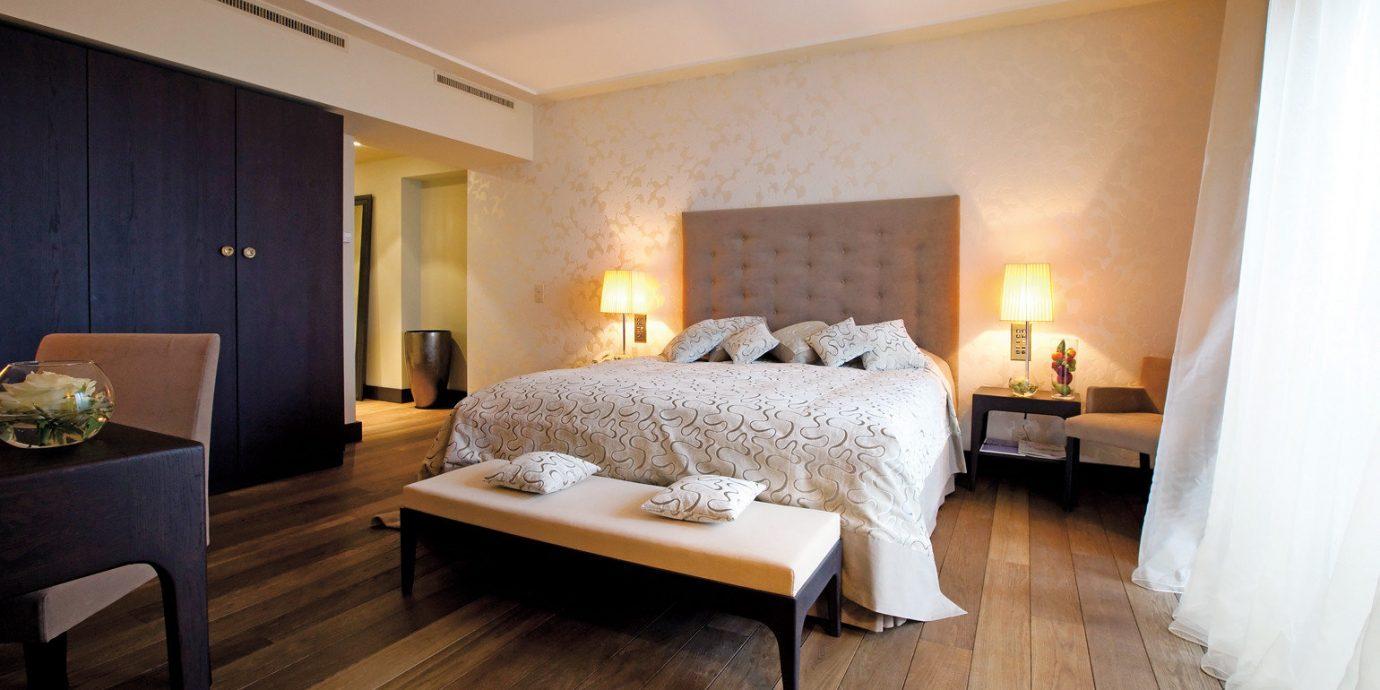 Bedroom Boutique Classic Hip property Suite cottage hardwood