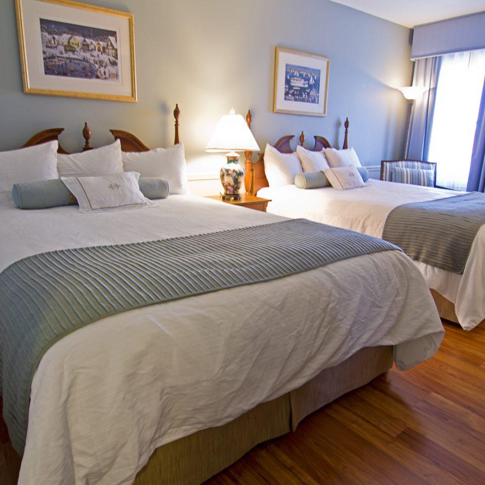 Bedroom Boutique Classic Historic property Suite cottage hardwood