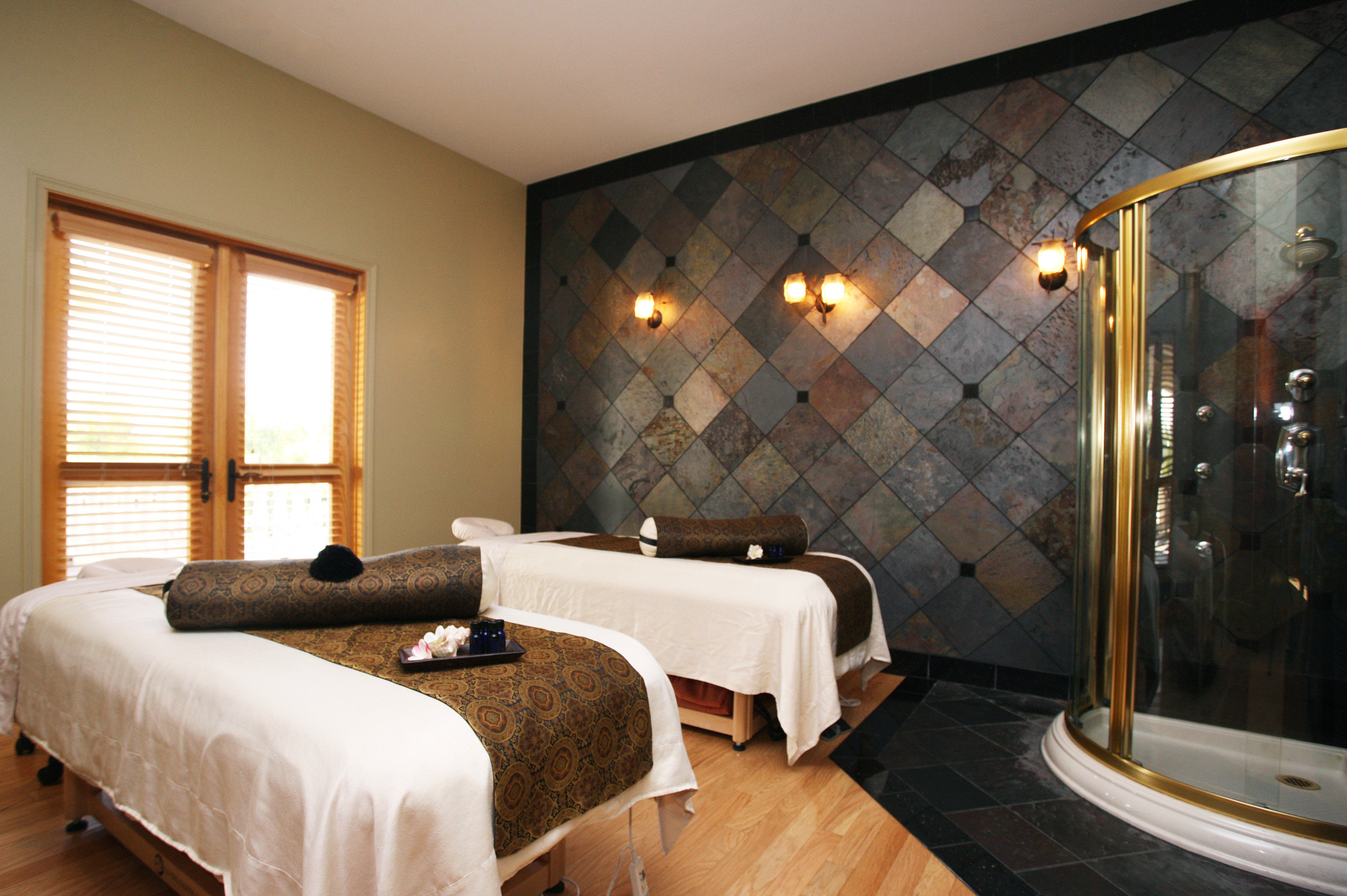 Boutique Country Romantic Spa Wellness Winery property Bedroom Suite cottage
