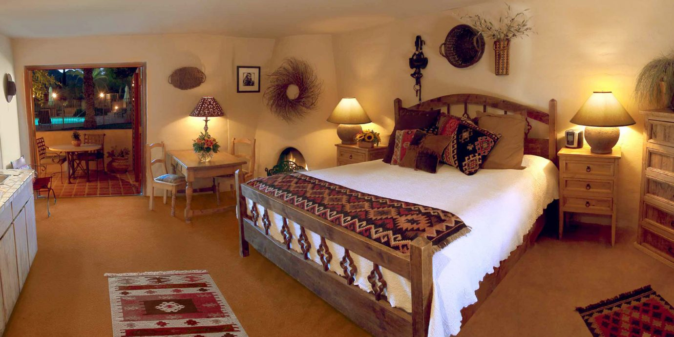 Bedroom Boutique Desert Inn Mountains Romance property cottage Villa Resort Suite rug hard