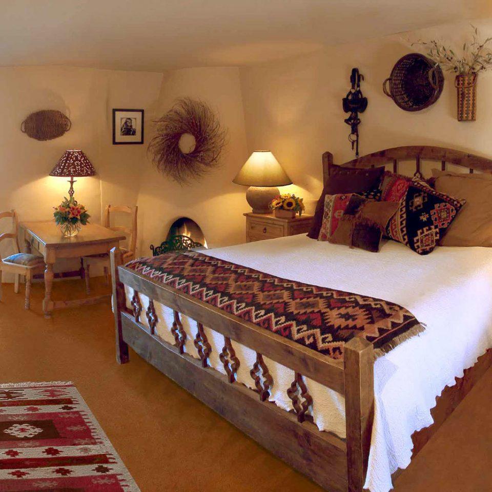 Bedroom Boutique Desert Inn Mountains Romance property cottage Villa Resort Suite rug hard